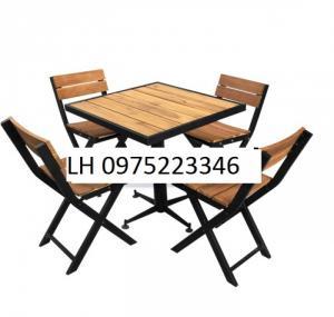 Bàn ghế gỗ  cần bán gấp