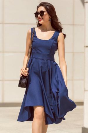 + Kiểu dáng thời trang, hiện đại. + Màu sắc: Xanh + Chất liệu: Thun Thái + Freesize: Dài 95cm, Ngực: 84-90cm, eo: 62-70cm, mông: 84-94cm, thích hợp cho bạn nữ từ 46kg - 54kg tùy chiều cao. + Giá: 339.000đ