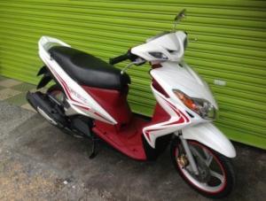 Yamaha Luvias GTX màu trắng 2k13 bstp mới 95% xe đẹp máy êm nguyên zin