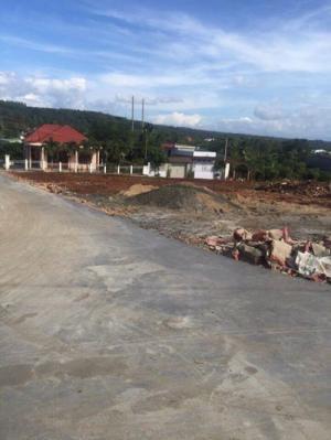 Cần bán 1 lô đất thổ cư cách mặt tiền đường ywang 50m