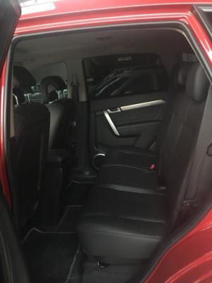 Bán Chevrolet Captiva LTZ Revv 2.4AT màu đỏ số tự động sản xuất T3/2017 biển Sài Gòn đi 5000km