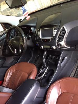 Bán Hyundai Tucson 4WD nhập Hàn Quốc 2010 số tự động biển Sài Gòn màu đỏ