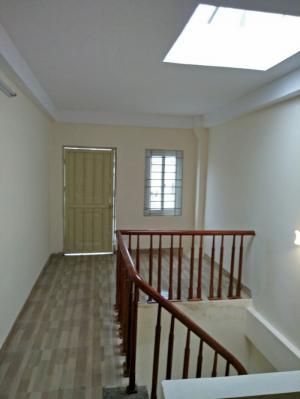 Bán nhà  DT 40m2 x 5T mới, ngõ thông 281 Trương Định, đường Hoàng Mai