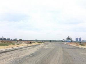 Gia đình có việc gaaos bán nhanh lô đất đã có sổ hướng ra sông giáp FPT, Cocobay.