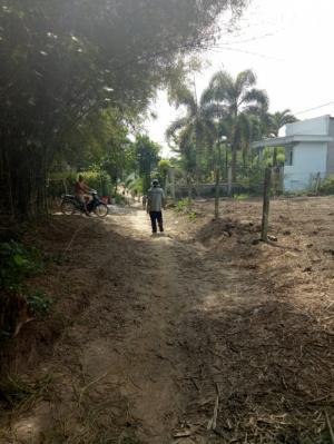đất 22m x 22m đường 6m thuộc  xã phú hòa đông ,củ chi.