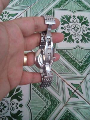 Bán đồng hồ omega kính saphia như hình