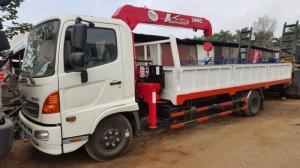 Xe tải Hino FC gắn cẩu Unic 3 tấn 3 đốt mới
