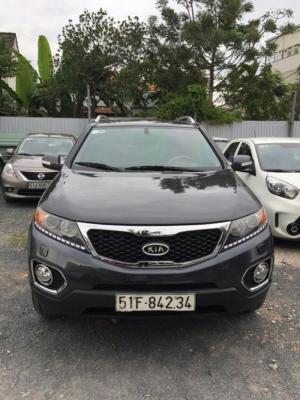 Bán Kia Sorento 2.4AT màu xám xanh sản xuất 2014 biển Sài Gòn bản full options