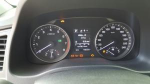 Bán Hyundai Elantra 1.6AT màu trắng số tự động sản xuất 2016 mẫu mới đi 19000km