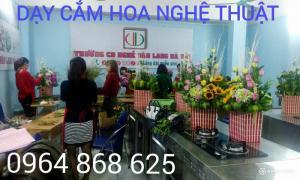 Dạy cắm hoa nghệ thuật hiện đại tại Hà Nội