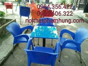 Bàn ghế nhựa đúc nhiều màu giá rẻ