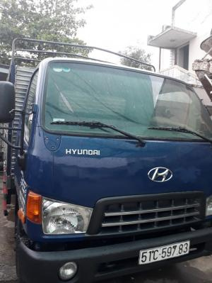 Hyundai HD65 thùng bạt hạ tải vào tp ban ngày, xe đời 2015, vỏ 80%