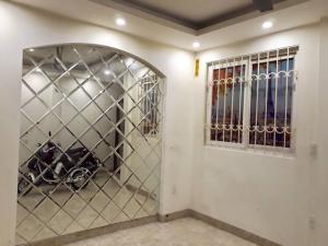 Nhà Phố Lê Duẩn - Hoàn Kiếm - 40m2 - 5 Tầng Cách MP 20m Giá 4.2 Tỷ.