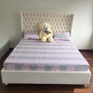 Giường Ngủ Bọc Nệm Vải Cao Cấp Tại Q1 Q2 Q7 Q9