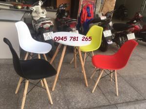 Ghế nhựa cà phê chân gỗ Ngọc Quảng