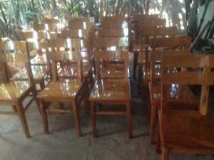 Ghế gỗ bên Lào