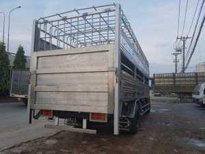 Xe chở heo 7.5 tấn thùng dài 7m, 2 tầng