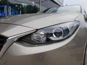 Mazda 3 1.5 Hatchback , màu Vàng. Sản xuất 2016, đăng ký cuối 2016