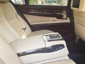 Bán xe BMW 750 Li at màu trắng 2009 đk 2010 nội thất kem zin nguyên