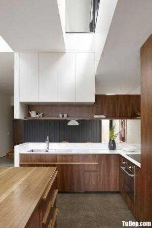 Tủ bếp chất liệu Laminate kết hợp bàn đảo cho không gian bếp rộng – TBN0081