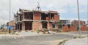 Nhà 2,5 tầng, diện tích 105m2 ( 5x21 ), hoàn tất nội thất chỉ trong 1-2 tháng