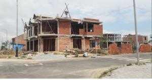 Bán Căn nhà 3 tầng 105m2, mặt tiền đường 10.5m + lề đường 4.5m