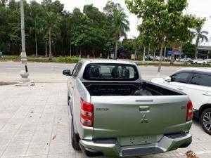 ô tô nhập khẩu nguyên chiếc
