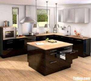 Tủ bếp chất liệu Acrylic bóng gương kết hợp bàn đảo – TBN0082
