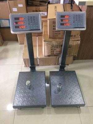 Cân 150kg inox, bàn làm bằng thép chống trượt. Bảo hành 12 tháng