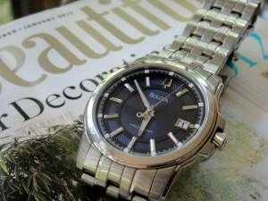 Đồng hồ nam Bulova mặt xanh