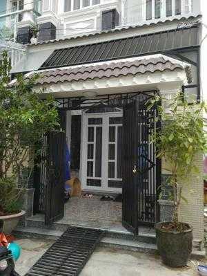 Bán nhà riêng thị trấn Nhà bè, đường Huỳnh Tấn Phát, DT 100m2 1 lầu, 2 PN full nội thất
