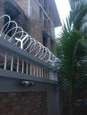 chuyên cung cấp dây thép gai, dây kẽm gai, dây thép bảo vệ, dây thép gai hàng rào