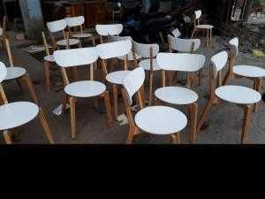 Bàn ghế cafe mặt tròn gỗ tự nhiên