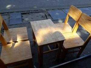 Bàn ghế cafe gỗ cao su mặt liền