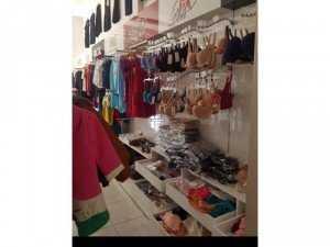 Cần sang đồ dùng tủ kệ shop quần áo