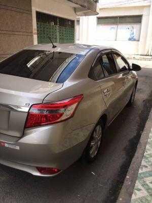Bán Toyota Vios G 1.5AT màu vàng cát số tự động sản xuất 2016 đi 23000km