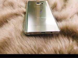 Samsung Galaxy Note 5 màu vàng đồng