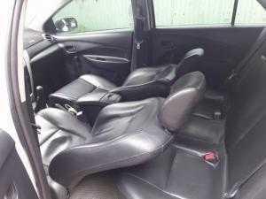 Cần bán gấp xe Toyota Vios E 2012 số sàn màu trắng cực đẹp