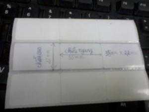 Cuộn giấy in tem mã vạch 3 tem 35mm x 22mm có độ dài 50m dùng cho tất cả các loại máy in tem mã vạch