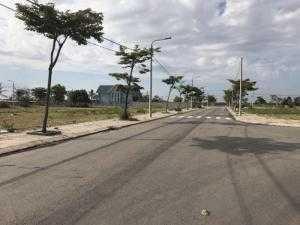 Chính chủ cần bán 2 lô liền kề trung tâm thị trấn Vĩnh Điện