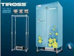 Máy sấy Quần Áo Tiross TS-882  - Kiểu Máy: dạng tủ đứng (Hình chữ nhật) - Công xuất : 1500W (Sấy khô nhanh) - Điện áp: 220V - 50Hz - Trong lượng sấy: 10 - 15Kg - Thời gian sấy: Có các nấc thời gian khác nhau: - Điều khiển từ xa: có - Hẹn giờ: có - Màu sắc: Xanh / Hồng - Hãng sản xuất: TIROSS - Sấy khô quần áo với nhiệt độ sấy ổn định. - Máy sấy khô quần áo thông minh giúp khô nhanh quần áo, chống nhăn và rất an toàn. - Tiết kiệm được thời gian, không gian và tiết kiệm tiền bạc cho mỗi gia đình khi sử dụng. - Có thể sấy nhiều quần áo một lúc, tiết kiệm điện và thời gian. - Rất phù hợp với nhà chung cư, tập thể, nhà trọ thiếu không gian cho phơi đồ gia đình. - Có điều khiển cùng cảm ứng độ ẩm.