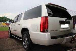 Cadillac Escalade  máy V8-6.2 nhập từ Mỹ model 2008, màu trắng. Đăng ký Biển Hà Nội