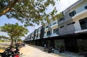 Tôi chuyển đi Sài Gòn bán nhà ngay đường 34 m đi thẳng ra biển ngay trung tâm Liên Chiểu