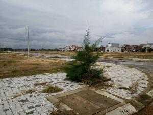 Gia Đình đi nước ngoài nên muốn nhượng lại lô đất gần UBND phường và Đồn công an