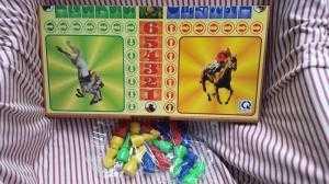 Bộ đồ chơi cờ cá ngựa lớn Trung Thành - Kích thước Ngang 42cm - Dọc 44cm