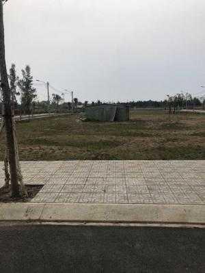 Bán đất mặt tiền,Trường Lưu,q.9