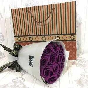 Bó hoa sáp thơm 12 bông tím than (tặng kèm túi xách)