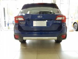 Subaru Outback 2.5 Xanh