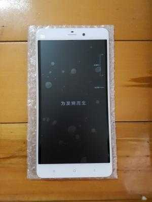 Xiaomi Mi Note lưng vỏ tre Ram 3GB 2 sim new box