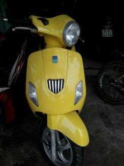 Vespa ld 125 cc màu vàng xe đẹp